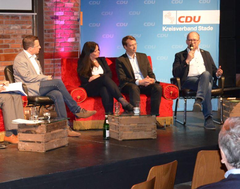 Hartlef diskutiert im Zukunftsforum
